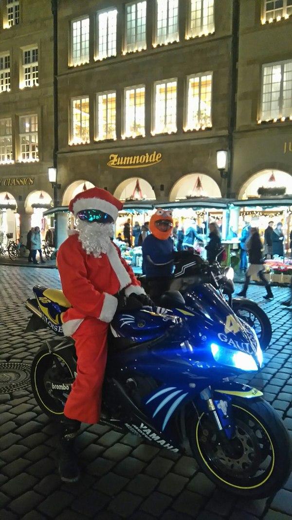 Санта Клаус, версия 21 века. Мото, Sony m4, Бонуса нет, Рождество, Санта-Клаус, Германия