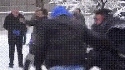 Перестрелка полиции с гражданским населением.