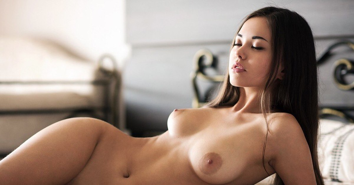red-perfect-body-girls-nude-images