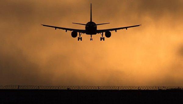 Россия отправит самолет за дипломатами и их семьями в США Политика, Россия, США, Обама, санкции, дипломаты, Спасение, РИА Новости