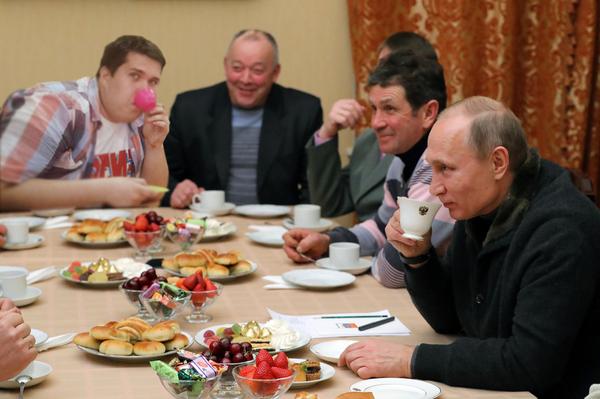 Когда пришел на чаепитие со своей кружечкой)))