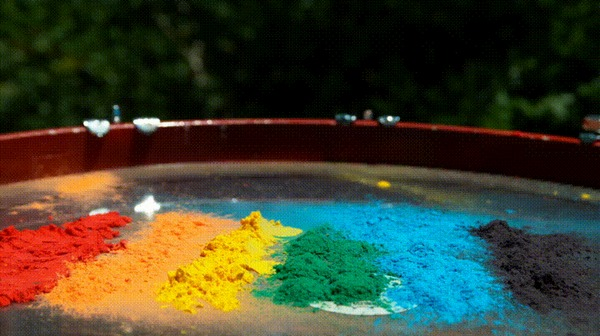Буйство красок на барабане.