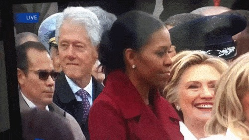 На имгуре выложили этот пост с названием : Гифка, США, Президент, Инаугурация, Трамп, Обама, Клинтон, Политики