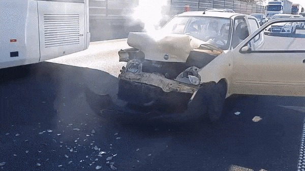 Вольво всегда считалась самой прочной и безопасной машиной, но чтобы на столько...