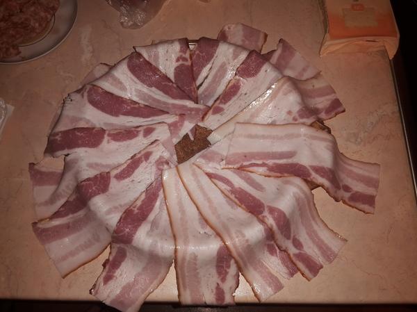 Мясная запеканка с беконом и сыром мясо, запеканка, фарш, бекон, сыр, это очень вкусно, длиннопост