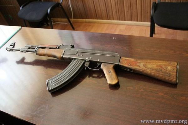В Приднестровье в прикладе автомата нашли записку от воевавшего в Афганистане офицера Приднестровье, автомат, находка