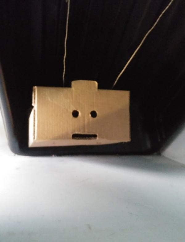 Коробка, которая видела некоторое ... Коробка, Жизньдерьмо, Фотография
