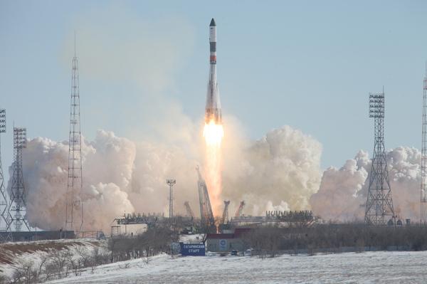 Старт ракеты-носителя «Союз-У» с грузовым кораблем «Прогресс МС-05» союз, байконур, космос, запуск, Ракета, союз-у, видео, длиннопост
