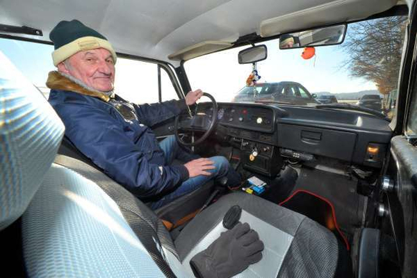 Немецкий пенсионер проехал на советском «Москвиче» 1 млн километров за 40 лет Авто, Москвич, Германия, Пенсионеры, ФРГ