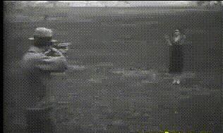 Демонстрация пуленепробиваемого стекла, 1930-е.