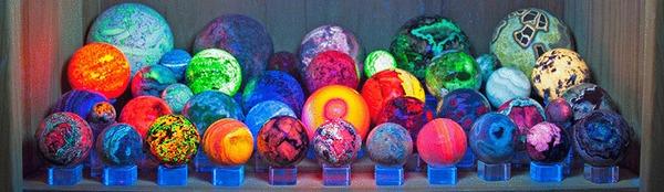 Флуоресценция минералов [3] Флуоресценция, Blacklight, Сокровища, Геология, Шарики, Ультрафиолет, Детство, Минералы, Гифка, Длиннопост