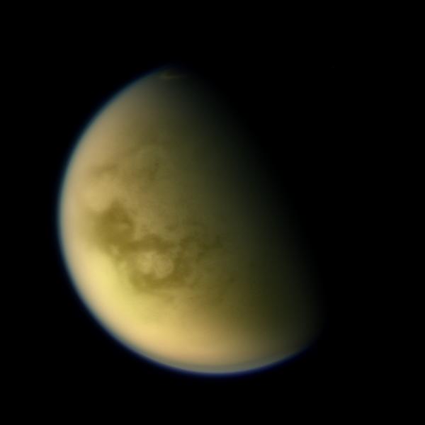 Колоризированная фотография Титана