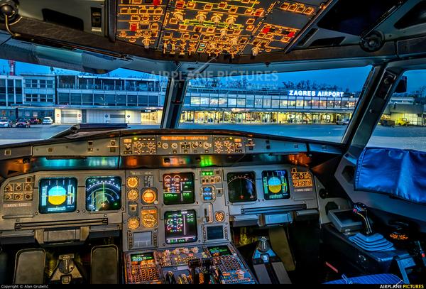 В кабине самолета Авиация, самолет, кабина самолета, управление, длиннопост