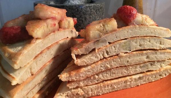 Банановый панкейк-торт с топпингом. Слоумасленица Длиннопост, Рецепт, Кулинария, Еда, Панкейк, Масленица, NuclearCookery, МИФИ