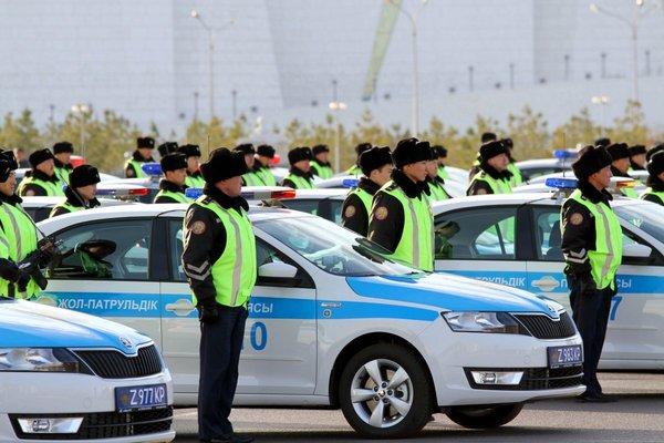 На чем ездит полиция Казахстана Казахстан, Атырау, Полиция, Машина, Длиннопост