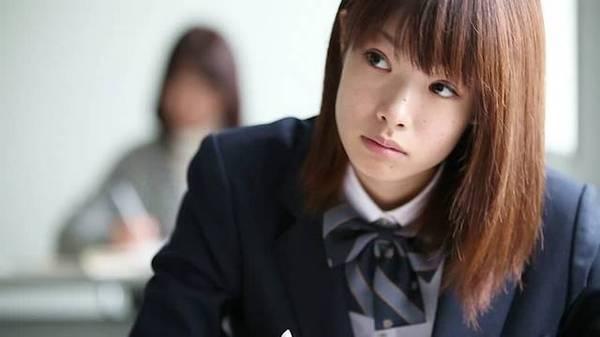 мальчик дрочит в японской школьной форме