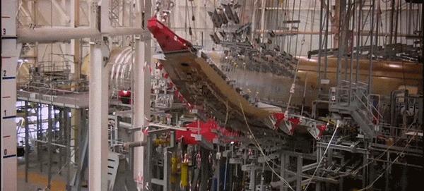 Для тех кто боится, что в полете у самолета может крыло отломиться.