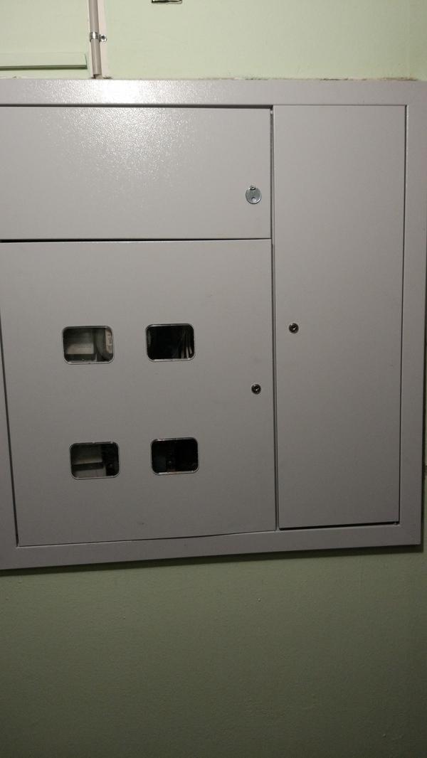 Как у нас поменяли щитки в подъезде электричество, капремонт, хрущевка, Криворукость, длиннопост