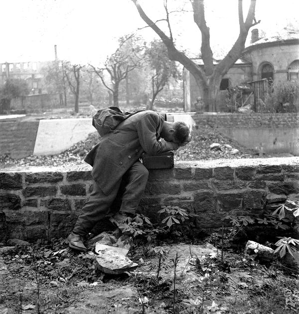 Вернувшись домой Военнопленные, Разрушенный город, 1947, Германия, Фотография
