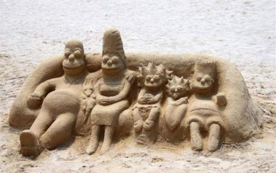 Симпсоны на пляже Симпсоны, Песчаная скульптура