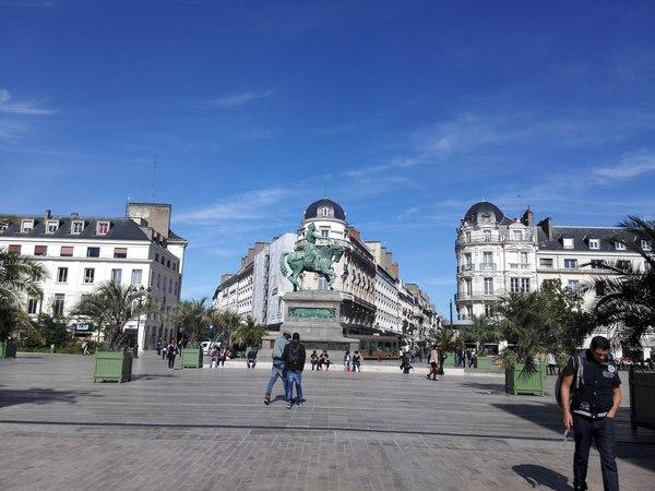 Орлеан Памятник Жанне де Арк