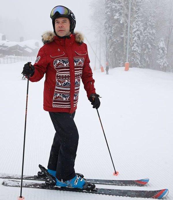 Все нормально, хорошо на лыжах покатался Политика, Дмитрий Медведев, Акции протеста, Школьники, Длиннопост
