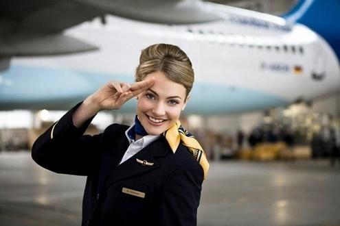 обнаженные стюардессы инструкция по безопастности