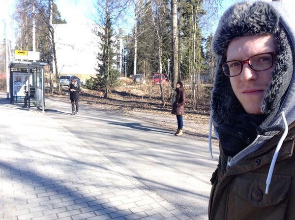 Одна девушка на толпу мужчин по очереди секс русском
