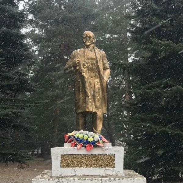 Памятник Прикол, Памятник ленину, Не мое