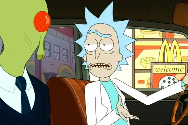 Поклонники «Рика и Морти» попросили McDonald's вернуть в продажу упомянутый в шоу соус Рик и морти, Сычуань, Макдоналдс