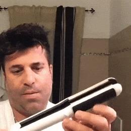 Решил выпрямить волосы