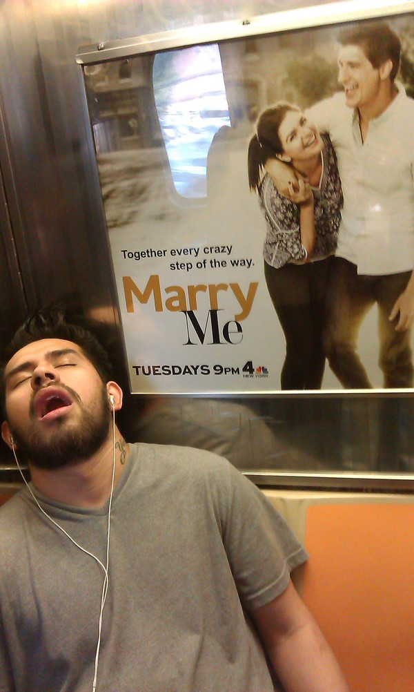 Спящий красавец Метро, В метро NY, Сон, О боже какой мужчина, Мечта, Выйдешь за меня