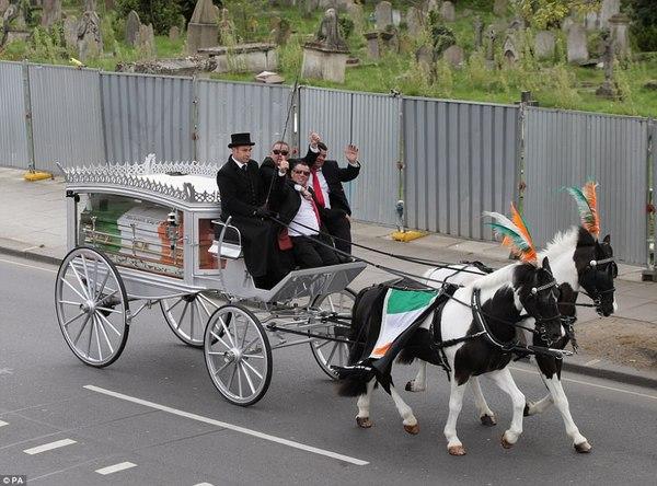 Большие цыганские похороны. Travellers, Цыгане, Похороны, Ирландцы, Длиннопост