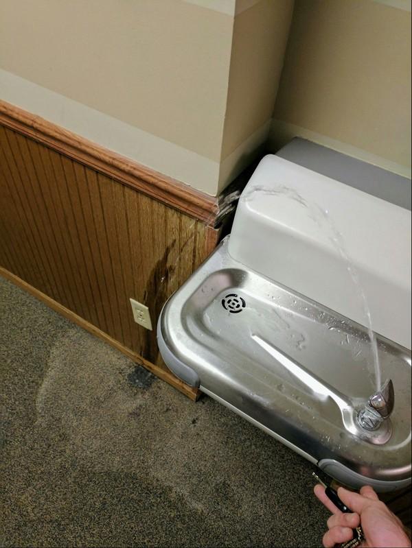 А кто-то говорит, что установка сантехники не искусство