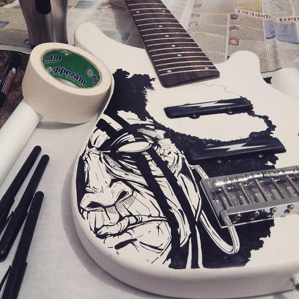 Старая бас гитара + маркеры для cd/dvd гитара, графика, арт, самурай, афро, осторожнокэп, длиннопост