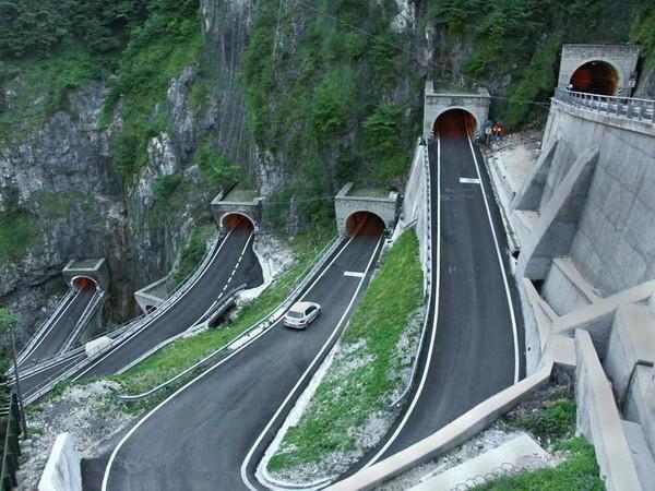 Перевал Сан-Больдо, Италия Дорога, Италия, Фотография, Серпантин