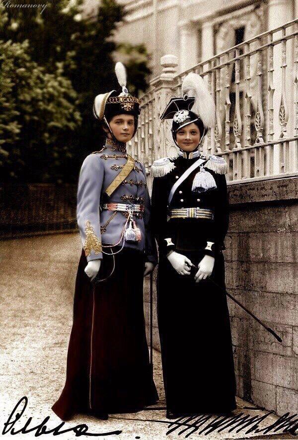 Великие княжны Ольга и Татьяна Романовы, 1913 фотография, девушки, прошлое, 20 век, царская семья