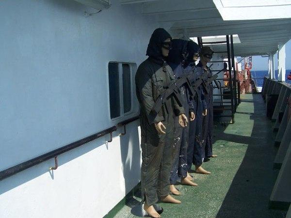 Бюджетная охрана от сомалийских пиратов сомалийские пираты, охрана, судно, море, длиннопост