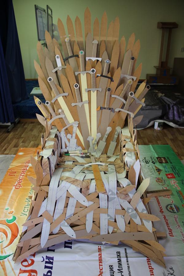 Трон трон, пятничное, длиннопост