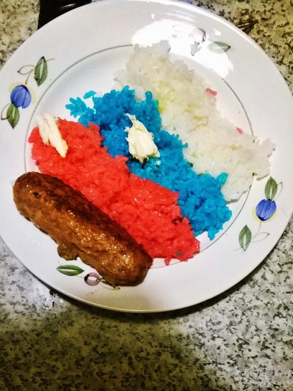 Когда любишь изысканную кухню, но дома только рис, котлеты и красители Еда, Патриотизм
