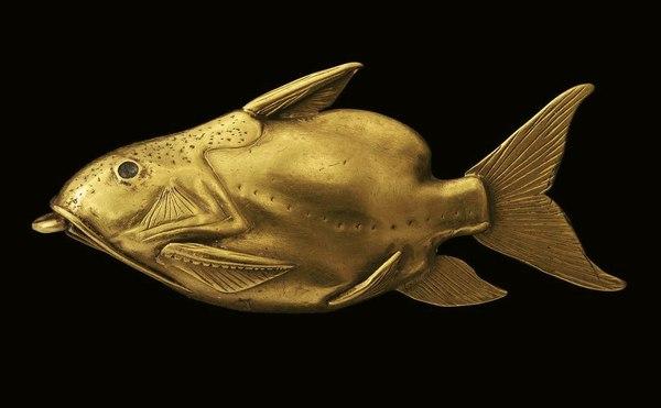 Золотая подвеска-амулет в виде рыбы. Среднее Царство, 2030-1650 гг. до н.э.