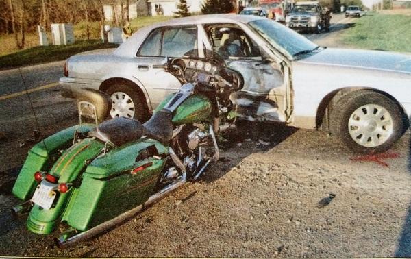Два мертвых мотоциклиста. Авария в американской глубинке. США, Америка, Жизнь в Америке, Авария, Мичиган