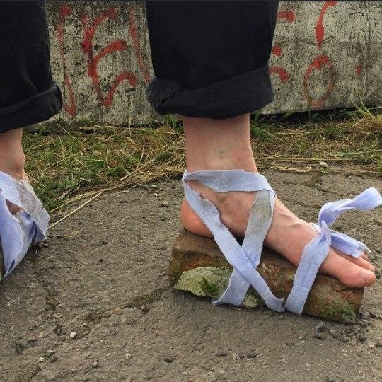 Шуточка про любимую обувь соседей сверху