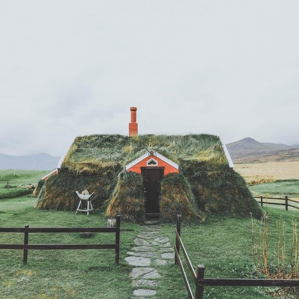 Дерновый домик в Исландии