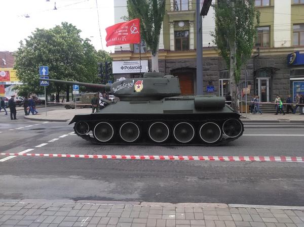 Восстановили памятник ДНР, Украина, Парад, 9 мая, Донецк, танки, Т-34, памятник