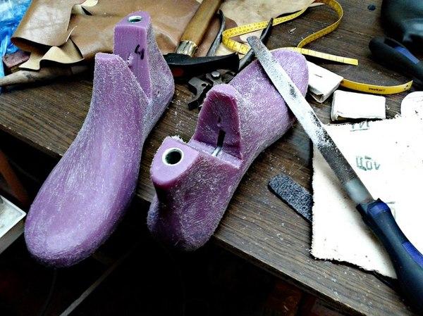 Есть ли у сапожника сапоги? Мастерская, Сапожник, Кожевенное ремесло, Nyxa, Обувь, Сумка, Длиннопост