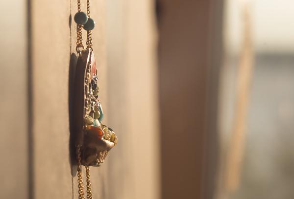 Зеленая Тара (по мотивам различных тханок) Гитара, Тханка, Буддизм, Индуизм, Кулон, Украшение, Украшения из полимерной глины, Скульптурная миниатюра, Длиннопост