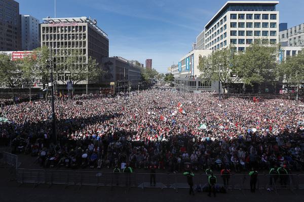 "В Роттердаме праздник! ""Фейеноорд"" - чемпион! Фейеноорд, Голландия, Футбол"