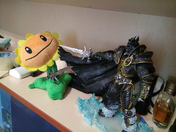 Эпичность OVER 9000! World of Warcraft, Plants vs Zombies, Искусство, Битва, Противостояние, Frostmourne, Wow, Моё