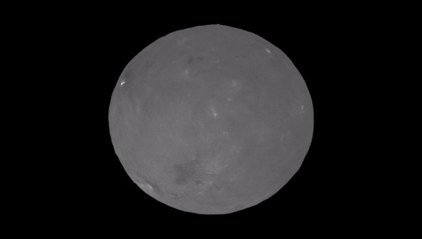 Зонд Dawn снял на видео сияющую Цереру, подсвеченную Солнцем. Космос, Зонд Dawn, Церера, Открытия, карликовая планета, гифка